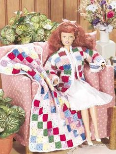 Stitch this colorful jacket and quilt-look blanket set for your fashion doll's summer camping trips!Doll size: 11 1/2 inches (appx)Skill level: Beginner