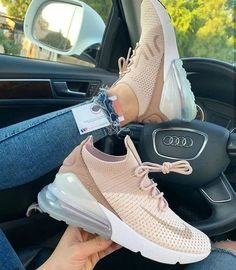 The 50 best Nike shoes 2019 can really make you cooler. Page 33 Wil Nike sch. The 50 best Nike sho Nike Air Shoes, Sneakers Nike, Adidas Shoes, Cute Nike Shoes, Green Sneakers, Nike Tennis Shoes, Pink Nike Shoes, Nike Footwear, Gucci Shoes Sneakers