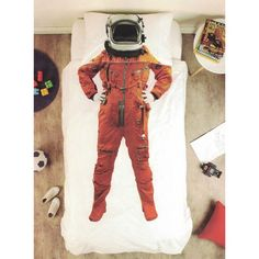 I am Astronaut quilt cover set transforms your child into an astronaut when they're tucked away in bed. Available in single and double bed sizes.