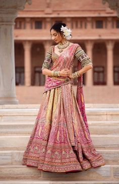Dupatta draping enhances the entire Indian bridal look. Hence we have summed up some trending bridal dupatta draping style ideas for you. Indian Bridal Outfits, Indian Bridal Lehenga, Indian Dresses, Designer Bridal Lehenga, Latest Designer Sarees, Designer Dresses, Designer Wear, Colored Wedding Dresses, Bridal Dresses
