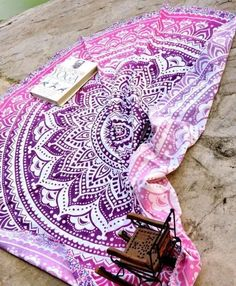 Indian Ombre Round Mandala Hippie Tapestry Roundie Beach Throw Yoga Mat Tapestry #Handmade #Ethnic #BeachThrowYogaMatTapestryWallHanging