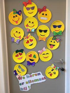emoij klasdeur Do I Have Adhd, Class Door, Classroom Design, 7 Habits, Simple Art, Elementary Art, Crafts For Kids, Projects To Try, Bee