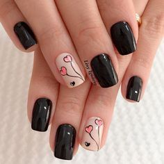 Happy Valentines Day nails designs are the perfect chance to both get creative and look unique. Check out this inspiring compilation of the love holiday nail art ideas. Sophisticated Nails, Stylish Nails, Trendy Nails, Cute Nails, Nail Art Hacks, Nail Art Diy, Pink Nails, Gel Nails, Black Nails