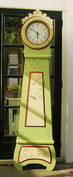 clock 6 feet tall by helenpriem, via Flickr