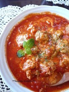 フライパンひとつで簡単♪もちもち肉団子のトマト煮 by たっきーママ 「写真がきれい」×「つくりやすい」×「美味しい」お料理と出会えるレシピサイト「Nadia | ナディア」プロの料理を無料で検索。実用的な節約簡単レシピからおもてなしレシピまで。有名レシピブロガーの料理動画も満載!お気に入りのレシピが保存できるSNS。 Meat Recipes, Asian Recipes, Cooking Recipes, Ethnic Recipes, Food Menu, No Cook Meals, Food Videos, Main Dishes, Food Porn