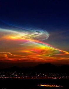 Night skies rainbow colors in nature Beautiful Sky, Beautiful Landscapes, Beautiful World, All Nature, Amazing Nature, Pretty Pictures, Cool Photos, Ciel Nocturne, Natural Phenomena