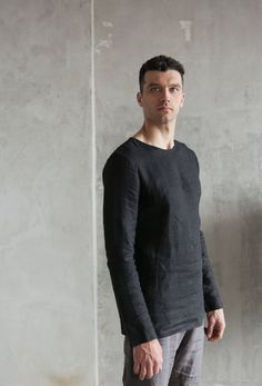 Elegant linen homewear by Black Ficus. This shirt is made from linen , , Simple Shirts, Casual Shirts, Linen Tshirts, Textiles, Summer Tshirts, Natural Linen, Stylish Men, Long Sleeve Shirts, Men Fashion