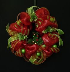 Poly Mesh Wreath with Ornaments