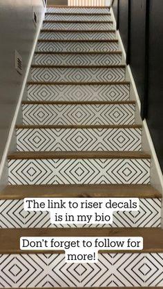 Staircase Makeover, Basement Makeover, Home Improvement Projects, Home Projects, Home Improvements, Stair Renovation, Interior Minimalista, Diy Home Repair, Home Upgrades