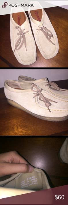 Clarks Wallsbees!! Like new!! Perfect condition!! Probably worn under a dozen times!! Clarks Shoes