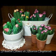 DIY Cactus Rock Art – Halloween Ideas – Grandcrafter – DIY Christmas Ideas ♥ Homes Decoration Ideas Cactus Painting, Pebble Painting, Dot Painting, Pebble Art, Stone Painting, Painted Rock Cactus, Painted Rocks, Rock Crafts, Diy Arts And Crafts