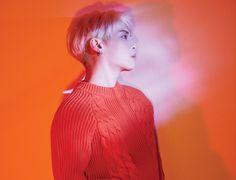 "SHINee on Twitter: ""종현 새 앨범 'Poet ᛁ Artist' 오늘 낮 12시 음원 공개 타이틀 곡 '빛이 나 (Shinin')' 뮤직비디오 동시 오픈… """
