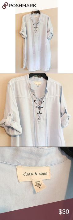 Anthropologie Cloth & Stone Chambray Dress Anthropologie Cloth & Stone Chambray Dress! Size large, in excellent condition. The light chambray is beautiful, and it can easily be worn year-round.💛 Anthropologie Dresses Midi