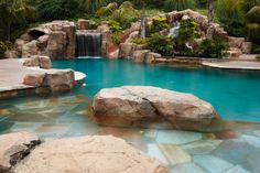 This is my dream pool!  LOVE everything about it!