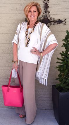 white outfit with accessories | 40plusstyle.com