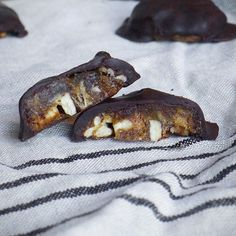 Raw Chocolate Caramel Pecan Clusters