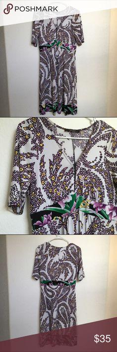 Tahari multi print dress Stretchy material. Lightweight. Reasonable offers welcomed! Tahari Dresses Midi