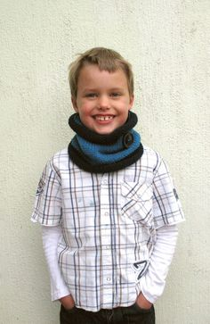 Knit Scarf Kids cowl Navy and Blue neckwarmer with by VeraJayne Knit Cowl, Knit Crochet, Knitting Yarn, Hand Knitting, Toddler Cowl, Neck Warmer, Gifts For Boys, Handmade Art, Crochet Ideas