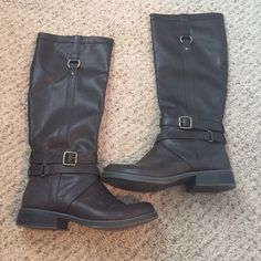Tall dark brown buckle riding boot. Size 8 Like new tall dark brown riding boots. Size 8. Has buckle hardware around ankle and on side. Half zipper on the inside of boot. NO scuffs or marks anywhere on boot. Old Navy Shoes