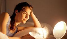 Enfrentar a mudança da hora começando o dia com o despertador Wake-up Light da Philips