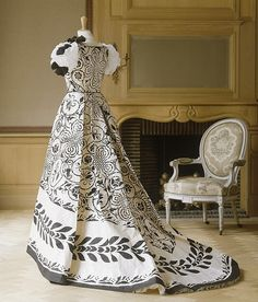 ℘ Paper Dress Prettiness ℘ art dress made of paper - Isabelle De Borchgrave