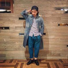 "WEBSTA @ stockman_chofu_official - ""Wear's exchange style""今回はスタッフ中島がお店にある商品でコーディネートを考え鈴木に着て頂きました。個性が1人1人違う3人だからこそ出来ることかなと思いますので、シリーズで不定期に上げていきたいと思います。styling 中島model 鈴木Cap #newyorkhatShirt #ItazuratokageCoat #johnbullPants #wildthingsShoes #redwing"