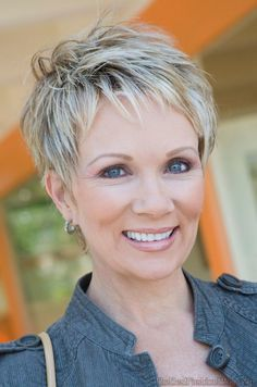 Great pixie haircut for women over 50 with short thick hair! Razor … Great pixie haircut for women over 50 with short thick hair! Short Grey Hair, Short Hairstyles For Thick Hair, Mom Hairstyles, Very Short Hair, Short Pixie Haircuts, Short Hairstyles For Women, Hairstyle Ideas, Grey Hairstyle, Choppy Hairstyles