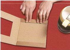 Diy Crafts - How to make photo frame with corrugated cardboard - Art & Craft Ideas Diy Photo Frame Cardboard, Cardboard Frames, Cardboard Art, Cadre Photo Diy, Cadre Diy, Marco Diy, Diy Karton, How To Make Photo, Photo Frame Design