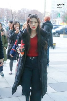 dedicated to female kpop idols. Seulgi, South Korean Girls, Korean Girl Groups, Kpop Outfits, Cute Outfits, Red Valvet, Red Velvet Joy, Velvet Style, Airport Style