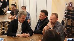 The awkward moment when Peter Capaldi, Mark Gatiss and Steven Moffat came third in a Doctor Who pub quiz ..... (snicker)