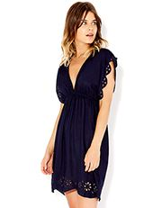 i'm not usually a navy fan, but with a tan? I think i could be won over. Sienna Cut Out Dress Day Dresses, Formal Dresses, Holiday Wardrobe, Capsule Wardrobe, Women's Accessories, Beachwear, Party Dress, Cold Shoulder Dress, Stylish