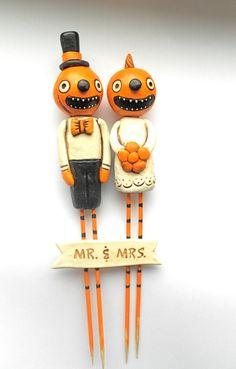 Happy little pumpkin cake toppers!