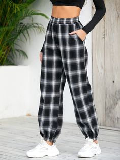 Girls Fashion Clothes, Teen Fashion Outfits, Fashion Pants, Girl Outfits, Cute Outfits, Clothes For Women, Women's Clothes, 6th Grade Outfits, Classy Summer Outfits