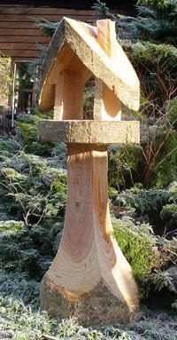 Why Build a Bird Aviary? Wood Carving Faces, Tree Carving, Wood Carving Art, Wooden Bird Feeders, Bird House Feeder, Art Sculpture En Bois, Wood Log Crafts, Bird House Plans, Wood Bird