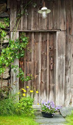 Skudeneshavn, Karmøy, Norway Old Doors, Windows And Doors, Door Knobs, Door Handles, Unique Doors, Old Barns, Photography Backdrops, Closed Doors, Doorway