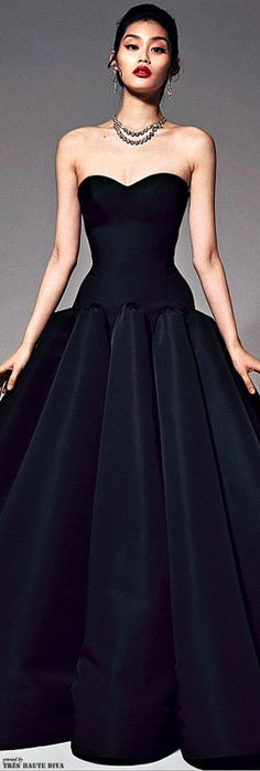 Zac Posen Pre-Fall 2014 - Runway Photos - Fashion Week - Runway, Fashion Shows and Collections - Vogue Style Couture, Couture Fashion, Runway Fashion, Zac Posen, Look Fashion, Fashion Show, Look Formal, Elie Saab, Beautiful Gowns