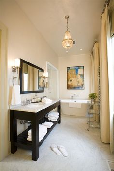 Bathroom in the Hinman Suite at Stonehurst Place in Atlanta