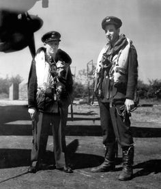 Les Munro (right) the last surviving pilot to participate in the bouncing bomb raid by 617 Squadron who passed away today 4th August 2015.