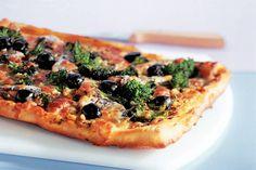 Kijk wat een lekker recept ik heb gevonden op Allerhande! Plaatpizza met sardientjes