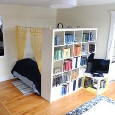 25 Small Apartment Decorating Ideas on a Budget | Crate storage ...