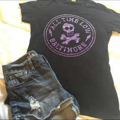 All Time Low Baltimore Shirt Size Medium but will fit to a small. Worn once of twice Hot Topic Tops Tees - Short Sleeve