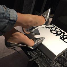 http://www.styleyourwear.com/category/xoxo-watches-women/ Instagram photo by…