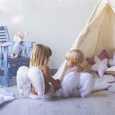 White Angel Wings Baby Kids Cosplay Photo Props Doll Bed Decor Toy Sleep Pillow