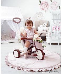 """IIMO BIKE trójkołowy rowerek Comfort BrownIIMO to trójkołowy motocykl typu """"high-design"""" dla współczesnych rodziców, którzy wraz ze swoim dzieckiem lubią poznawać świat.Kolor: Beż+ Brąz +KremWymiary rowerka : 44 cm x 64 cm x 75 cm;Wiek dziecka 1,5 - 4 lat;Waga rowerka: 6 kgiimo, rowerek iimo, rowerek trójkołowy, rower, iimo dystrybucja, rowerki iimo, rowerek, zabawka, iimosklep, sklep iimo polska, pchacz iimo, sklep iimo, rowerek dla malucha, niemowlę, trójkołowy rower, terójkołowy… High Design, Baby Strollers, Bike, Children, Brown, Baby Prams, Bicycle, Kids, Prams"""