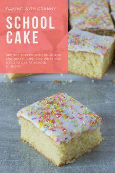 School Cake - Baking with Granny Baking Tins, Cake Baking, Baking Recipes, Dessert Recipes, Desserts, Baking Ideas, Cupcake Recipes, Victoria Sponge Recipe, Victoria Sponge Cake