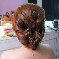 Prewedding hairdo for Lai Ying  #bride #updo