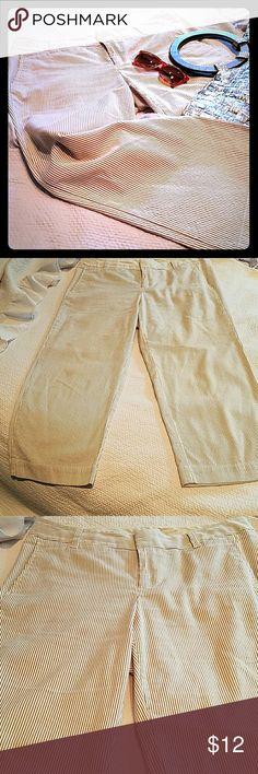 SALE Gap Women's Summer Slacks So nice to dress up or down.  Pinstripe. GAP Pants