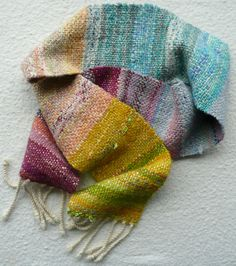 would love to try weaving one day... scarf