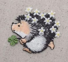 Hedgehog - Clover - Daisy - Flores - Ferro-On Applique / Embroidered Patch