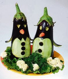 Карвинг - ФОТО, смешные изделия. Украшение блюд. КУЛИНАРНЫЙ ЮМОР Vegetable Animals, Fruit Animals, Amazing Food Decoration, Vegetable Decoration, Veggie Art, Food Art For Kids, Creative Food Art, Food Sculpture, Food Carving